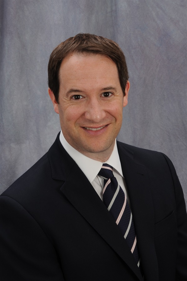 Dr. Brett E. Gilbert The Essentials of Endodontic Emergencies: Diagnosis, Safe Access and Infection Management