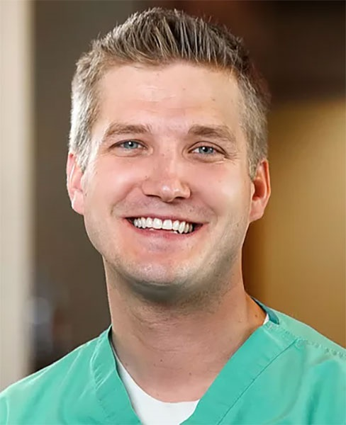Riley D. Clark, DMD The Complete Digital Workflow of Implant Dentistry