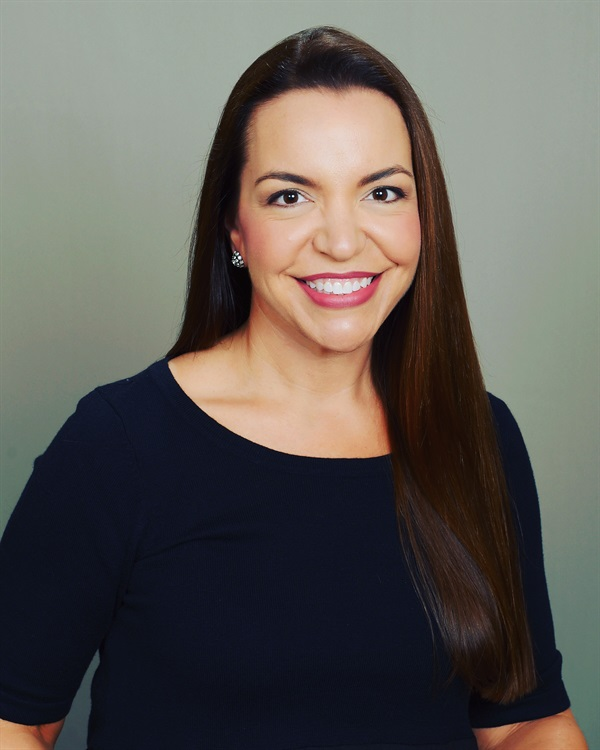 Dr. Jeanette MacLean Silver is the New Black: Improving Your Practice with Silver Diamine Fluoride